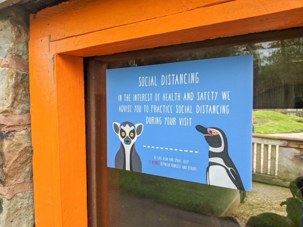 social distancing sign at Peak Wildlife Park