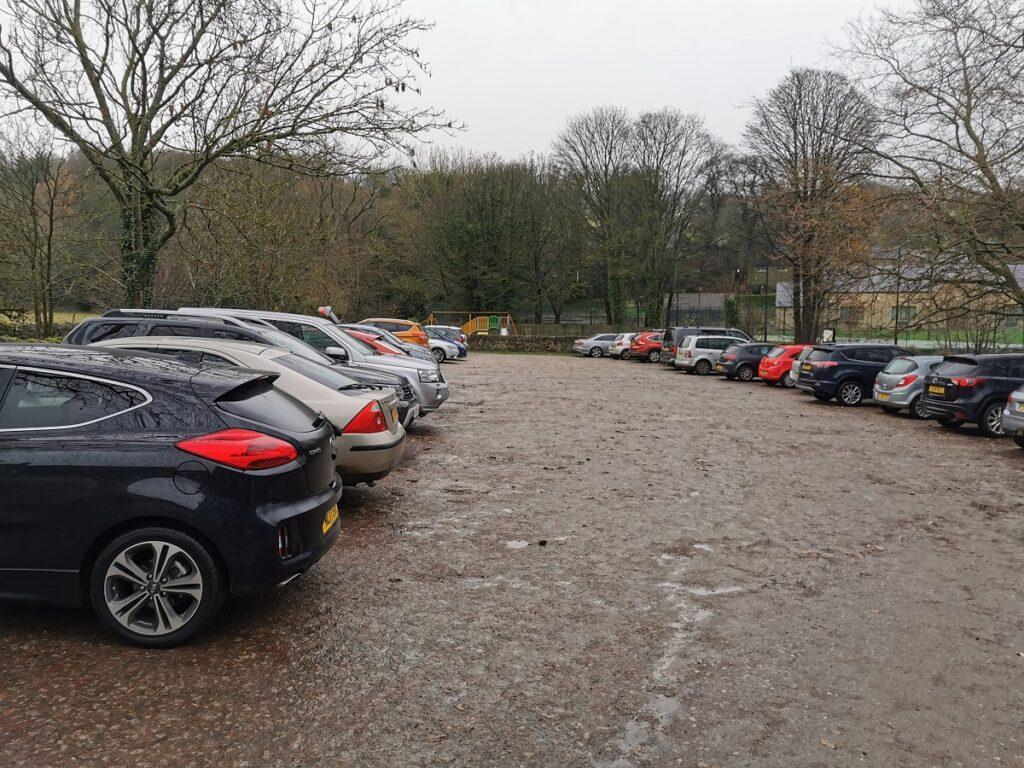 Damflask Reservoir walk parking