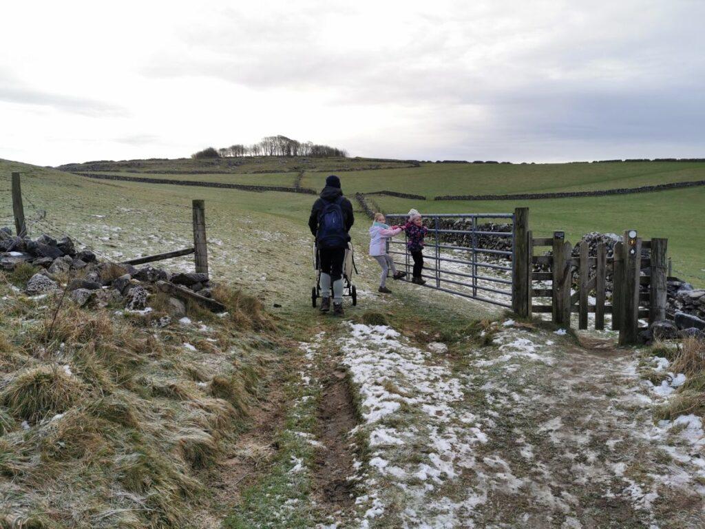 Minninglow walk