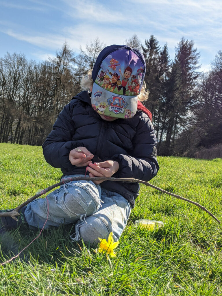 nature mobile - outdoor craft activity
