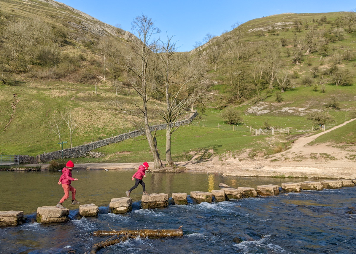 Dovedale Circular walk from Thorpe (5.3km)