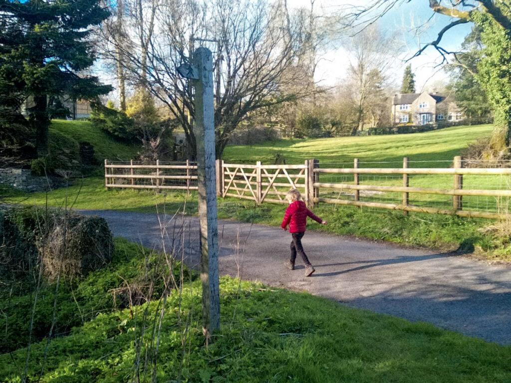 Dovedale circular walk